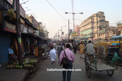 Road Near Sealdah Station early morning